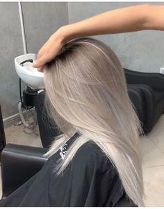 Silver Blonde Hair, Blonde Hair Looks, Silver Ombre, Pearl Blonde, Gray Hair, Ash Hair, Ash Blonde Balayage Silver, Silver Platinum Hair, Ombre Hair Brunette