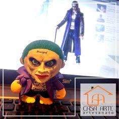 CORINGA Toy Art Personalizado, trabalho artesanal a base de Biscuit e Gesso.  Acesse e conheça mais peças casaarteartesanato.com.br @casaarteartesanato Casa_arte_artesanato