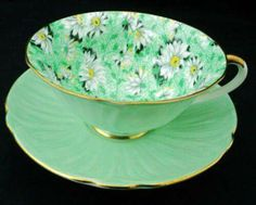 ❣Julianne McPeters❣ no pin limits Cafe Bar, Vintage Tableware, Vintage Teacups, Green Tea Cups, Teapots And Cups, China Tea Cups, Rose Tea, My Cup Of Tea, Tea Service