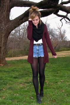 maroon Forever 21 cardigan - black thrifted boots - black Forever 21 scarf but with jeans Fall Winter Outfits, Autumn Winter Fashion, Summer Outfits, Casual Outfits, Cute Outfits, Fashion Outfits, Pantyhosed Legs, Look Con Short, Look 2015