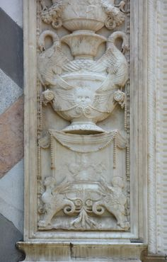 Гротески с фасада Капеллы Коллеоне, Бергамо, Италия - Орнамент и стиль в ДПИ