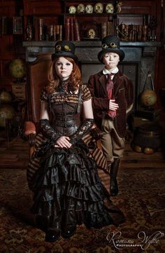 Steampunk kids by Romana Wyllie on Parenting done right in my opinion. Steampunk Couture, Steampunk Kids, Viktorianischer Steampunk, Steampunk Wedding, Steampunk Clothing, Steampunk Fashion, Victorian Fashion, Steampunk Outfits, Everyday Steampunk