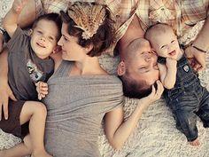 Já pode curtir o fim de semana com quem a gente ama? #fofura #ComCarinho #crianças