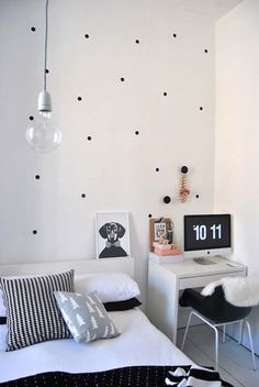 Greyscale & polka dots | The best bedroom design ideas for your home! #bedroom #homedesign #interiors  See more home design ideas at http://www.homedesignideas.eu/