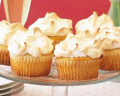 Lemon Meringue Pie Cupcakes Cute Cookies, Cupcake Cookies, Cupcakes, Yummy Treats, Sweet Treats, Yummy Food, Cupcake Recipes, Dessert Recipes, Desserts