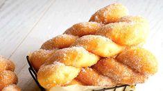 Gogoși răsucite- rețetă veche și readaptată în bucătăria mea Romanian Desserts, Hot Dog Buns, Cornbread, Pineapple, Vegan, Ethnic Recipes, Food, Pine Apple, Hoods