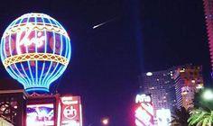 Un OVNI a survolé une partie des États-Unis, cette nuit du 23 décembre 2015, déclenchant des inquiétudes chez des particuliers... et des journalistes. Rapidement, ce sont les chaînes de télévision locales qui se sont emparées de l'affaire, diffusant des images filmées par des téléspectateurs angoissés. Ainsi, la chaîne californienne KTLA5 n'a pas hésité à déclencher une édition spéciale. Même son de cloche pour la chaîne KTNV de Las Vegas, qui, également en «breaking news», tente d'obtenir…