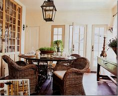 Love this whole house in Houston...maybe you remember it from the beloved, and deceased, Cottage Living magazine.