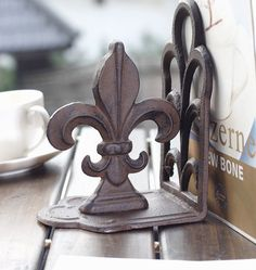 2 Pieces Cast Iron Fleur de Lis Bookends Metal Book Ends Antique Room Desk Table Study Decoration Rustic Craft New Free Shipping