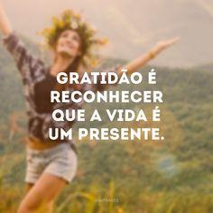 40 Frases de Gratidão para Demonstrar esse Sentimento tão Nobre God Is Good, Namaste, Words, Quotes, Blog, Living Rooms, Pandora, Wallpapers, Instagram