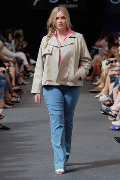 Persona  Prêt à Porter Primavera/Verano 2016 Girl Tips, Grande, Plus Fashion, Fashion Tips, Bomber Jacket, Minimalist, Plus Size, Comfy, Lady