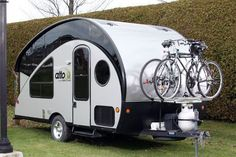 You should attach your bikes to your RV's ladder, bumper or hitch receiver with the help of the best RV bike rack. Check the ultimate buyer's guide here. Rv Bike Rack, Best Bike Rack, Hitch Bike Rack, Car Racks, Alto Camper, Camper Van, Homemade Camper, Camper Trailers, Travel Trailers