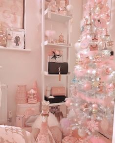 Image may contain: table and indoor Christmas Room, Shabby Chic Christmas, Merry Christmas, Aesthetic Room Decor, Pink Aesthetic, Tout Rose, Deco Rose, Cute Room Decor, Christmas Aesthetic