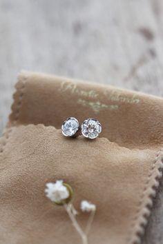 Flora White – Annette Tillander Diamond Earrings, Stud Earrings, Flora, Jewelry, Jewlery, Jewerly, Stud Earring, Schmuck, Plants