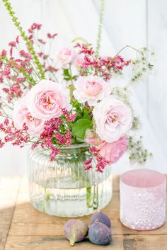 Friday Flowerday, Strandflieder mit Rosen, Herbststrauß