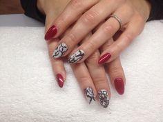 Effective nails company  Paznokcie zelowe pomalowane EN hybrydami