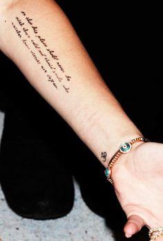 Tatuagens no Antebraço    frase