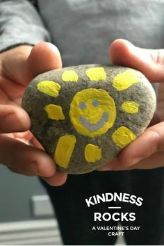 Step by step directions on the best classroom Valentine's Day crafts--kindness rocks! It's easy and sends an uplifting message of love 365 days a year.