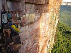 www.boulderingonline.pl Rock climbing and bouldering pictures and news Kranjc relaxes at a