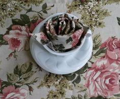 Virág hajtogatás szalvétából Tea Cups, Tableware, Blog, Decorations, Dinnerware, Dishes, Teacup, Porcelain Ceramics, Cup Of Tea
