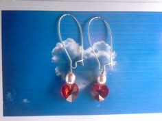 ann wei design swarowski hjerte øreringe i rød med lyserød ferskvandsperle sølv