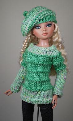 Barbie Knitting Patterns, Knitting Dolls Clothes, Sweater Knitting Patterns, Knitting Designs, Barbie Clothes Patterns, Crochet Barbie Clothes, Crochet Doll Dress, Knitted Dolls, Barbie Et Ken