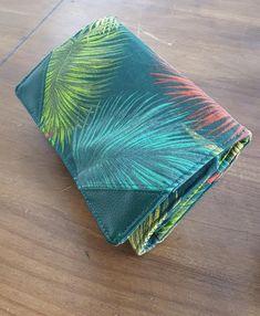 Compagnon Complice en vert à feuilles de palmier cousu par Marion - Patron Sacôtin