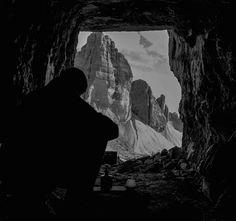 Trekking fotografico sulle Tre cime di Lavaredo con pernottamento in grotta. Patrimonio dell'Unesco, le Tre Cime sono uno dei simboli delle Dolomiti.
