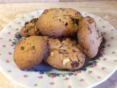 Biscotti frutta secca e gocce di cioccolato