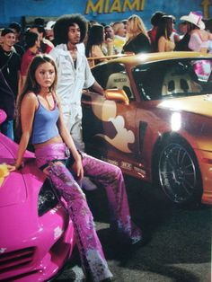 Fast And Furious Letty, Paul Walker Pictures, Clueless Outfits, 2000s Fashion Trends, Devon Aoki, Girl Fashion, Fashion Outfits, Baddies, Race Cars