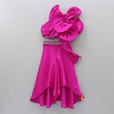 Pretty Dresses For Kids, Cute Girl Outfits, Little Girl Dresses, Girls Dresses, Kids Frocks Design, Baby Frocks Designs, Long Frocks For Kids, Kids Blouse Designs, Kids Dress Wear