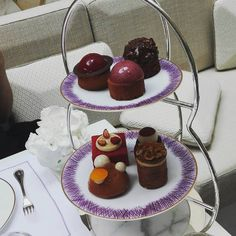 Tea Time au Crillon  #HoteldeCrillon  #RosewoodHotel #JeromeChaucesse #Teatime #Patisserie #Pastry #Palace #Palacelife #Luxe #Luxery #Food #Foodie #Instafoodie #Paris #Igersparis #Girlsout #Goodtimes #Summer