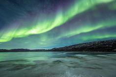 De indrukken die Joe Capra tijdens een 10 dagen durende reis door IJsland en Groenland opdeed zijn bijna jaloersmakend. Gelukkig laat hij iedereen meegenieten door middel van een bijzondere compilatie, met prachtige pianomuziek van Jan Baumann.