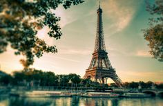 Visite la cara oculta de la Torre Eiffel - Oficina de Turismo de París