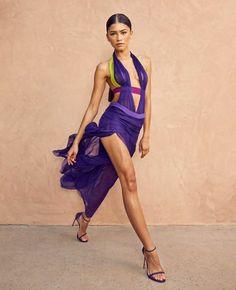 Zendaya Dress, Zendaya Outfits, Zendaya Style, Zendaya Coleman, Moda Zendaya, Versace Vintage, Beyonce, Stuart Weitzman, Vestidos Versace