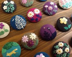 Hand Embroidery Projects, Hand Embroidery Flowers, Creative Embroidery, Simple Embroidery, Embroidery Jewelry, Hand Embroidery Patterns, Ribbon Embroidery, Floral Embroidery, Bead Crafts