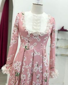 Best 12 Spring themed 🌸 exclusive products loaded to the story alone ❄️ Simple Long Dress, Simple Dresses, Beautiful Dresses, Abaya Fashion, Muslim Fashion, Fashion Dresses, Hijab Style Dress, Chic Dress, Modest Dresses