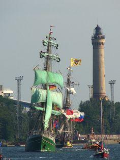 Huboldt & Shtandart Leaving Świnoujście - After Tall Ships Races
