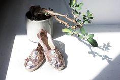 #summer#espadrilles#milano#zonatortona#mymilano#design#minimalismo#minimalism#minimalove#minimalmood#fashion#fashionable#fashionphotography#photography#magazine#vogueitalia#moda#milanodavedere#minimaldesign#minimalfashion#fashiondesign#fashiondesigner# fashionmagazine#fashionblogger#glamour#bohochic#chic#trendy#estate#fashionmagazine#minimalphotography by workshopmilano