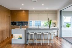 Kitchen Gallery: Staron Solid Surfaces