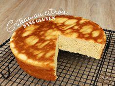 Gâteau au citron sans gluten de Féerie cake : – 4 œufs – 100 g de sucre de canne blond – 90 g de crème de soja – 90 g de farine de riz – 30 g de poudre d'amandes – 1 cc de levure chimique sans gluten – 2 citrons non traités A 180°C pendant 30min