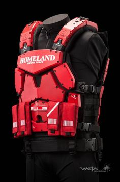 Interesting looking chest rig for airsoft Sci Fi Armor, Sci Fi Weapons, Suit Of Armor, Body Armor, Tactical Armor, Futuristic Armour, Future Weapons, Combat Gear, Future Soldier