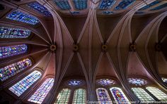4th Grade Core Knowledge  Chartres-stained-glass-windows-12.jpg (1000×629)