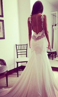 Luce un Vestido de Novia con Espalda Descubierta