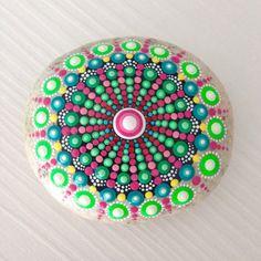 Gartendekoration - Großes Dot art Mandala Stein - ein Designerstück von CreateAndCherish bei DaWanda