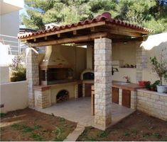 Patio Design Ideas is the most important thing in outdoor kitchen design because it is where you relax and eat your favorite meals. Outdoor Kitchen Bars, Outdoor Oven, Backyard Kitchen, Summer Kitchen, Outdoor Kitchen Design, Outdoor Cooking, Outdoor Kitchens, Backyard Patio Designs, Pergola Designs