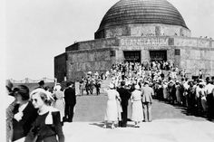 The Planetarium opens, 1930 Us History, Local History, Chicago Pictures, Shedd Aquarium, Visit Chicago, Chicago River, My Kind Of Town, Old Pictures, Illinois