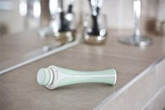 Remington Reveal Facial Cleansing Brush - Do oczyszczania twarzy (FC1000) - Opinie i ceny na Ceneo.pl Ice Cream Scoop, Perfume, Scoop Of Ice Cream, Fragrance