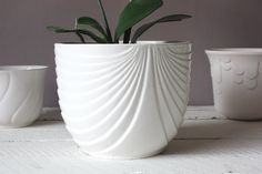 Planter ceramic stripes, round Vintage flower pot, Germany Retro flowerpot, gift girlfriend her sister white Rustic Planters, Outdoor Planters, Ceramic Cups, Ceramic Pottery, Ikea Plants, Decorated Flower Pots, Ceramic Flower Pots, Hanging Pots, Terracotta Pots