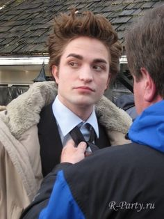 Robert Pattinson on Twilight set